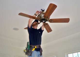 How Much To Fit A Ceiling Fan also Electric Fan Wiring Harness further Patton Fan Wiring Diagram in addition Fuse Box Trailblazer Ss Part Number 2006 besides Engine Cooling Fan Location. on wiring diagram for dual electric fans